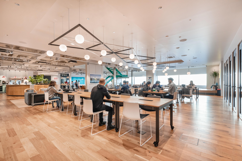 セミナーはソフトバンクが40億ドル出資した話題のシェアオフィスWeworkなんばスカイオで開催いたします