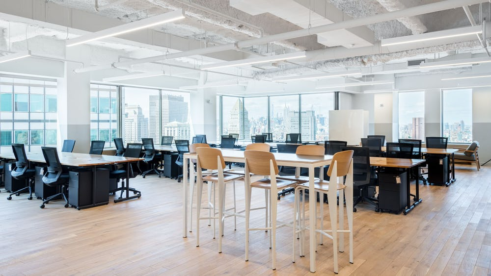 455 Rue Saint-Antoine Ouest Office Space